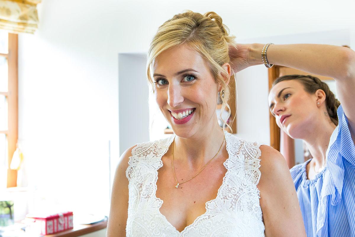 Wedding photography - Bride getting ready.